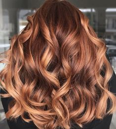 Summer Hair Colors That Will Have You Making a Salon Appointment Stat Copper Brown Hair, Brown Blonde Hair, Brunette Hair, Ginger Brown Hair, Copper Blonde Balayage, Blonde Honey, Natural Brown, Pretty Hair Color, Red Hair Color