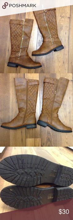 West Blvd Brown Riding Boots 👢 Quilted back pattern. Has a buckle at the top and bottom. Both are adjustable. Has a fake zipper on the side and the inner zippers are the ones that you use. Very Clean on the inside and outside. Has normal wear signs on the bottom. The boot is best for skinny legs. (Mine are too thick for these.) Used twice. Open to Reasonable Offers! West Blvd Shoes Winter & Rain Boots