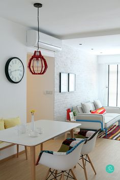 Green-and-Lush-Dining-Hallway
