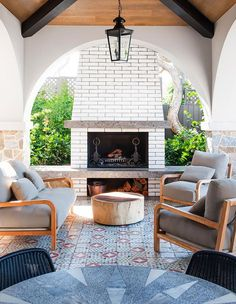 Trending Now: Dreamy Patios With Bold Patterned Tile - Trending Now: Dreamy Patios With Bold Patterned Tile Three different coordinating tile patterns bring big impact to this Mediterranean-inspired outdoor lounge area near Australia's Yarra River. Indoor Outdoor Living, Outdoor Lounge, Outdoor Rooms, Outdoor Tiles, Country House Interior, Home Interior Design, Ideas Terraza, Living Pool, Backyard Fireplace
