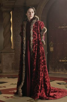 everythingasoiaf:  Cloak for a lady of House Lannister