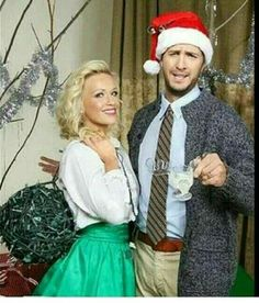 Luke & Caroline Bryan I like that they're dressed as the Griswolds. This is priceless Griswold Family Christmas, Christmas Couple, Retro Christmas, Christmas 2019, Funny Christmas Cards, Christmas Photo Cards, Christmas Pictures, Funny Xmas, Christmas Vacation Costumes