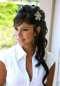 Beautiful hairstyle that can be created for both prom and a wedding.