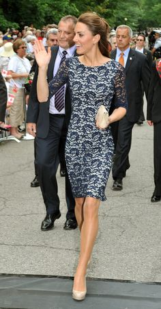 Lace dress and nude pumps- Kate is gorgeous