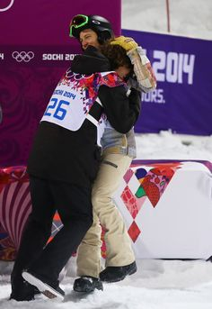 Shaun White and Iouri Podladtchikov hugging it out after Shaun's run. Congrats IPod! I love your respect for Shaun that so many snowboarders don't have!