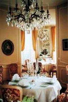 Chateau de Bonaban - La gouesniere Dining Room