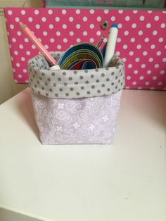 Baskets of fabric in 20 min! Sewing Projects For Beginners, Projects To Try, Beauty Case, 20 Min, Handmade Bags, Make It Simple, Diy Home Decor, Recycling, Fabric
