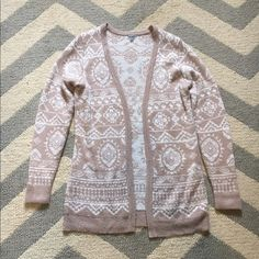 Tribal print sweater cardigan Great condition ... Only worn a few times Charlotte Russe Sweaters Cardigans