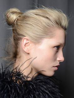 Easy 2014 Runway Hairstyles to Copy  Tips to Smooth Hair Without Overstyling    http://www.dfrow.com/beauty/hair/tips-to-smooth-hair-without-overstyling/  #haircare #knothairstyle