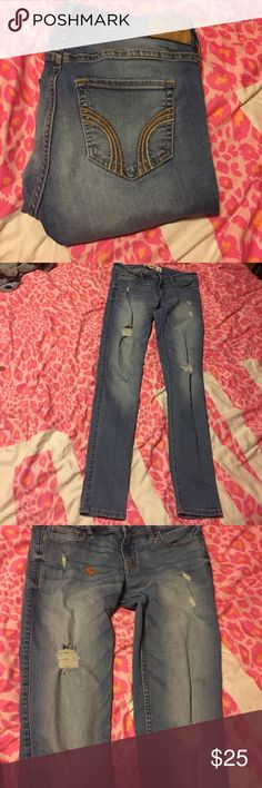 NWOT hollister super skinny jeans Distressed jeans. Never worn. Size is 5R. Open to offers and trades 🤗 Hollister Jeans Skinny