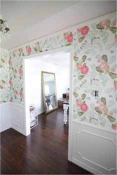 I have been seeing this wallpaper everywhere and I really want to get it! It's so pretty. Love this entryway!