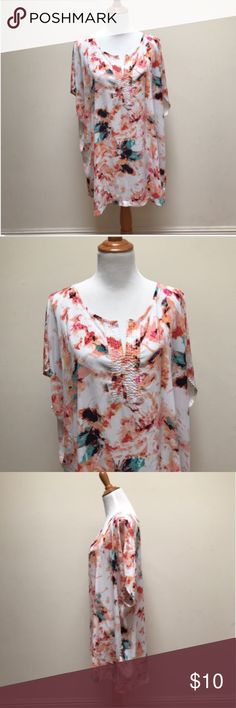 AVA & ViV Tops Women's Plus Size 3X Multi-Color Ab AVA & ViV Tops Women's Plus Size 3X Multi-Color Abstract Print Sleeveless V-Neck No stains or rips.  Good condition Measurements approximate: (Garment is lying flat and unstretched) Armpit to Armpit: 31.5', Shoulder Across: 33', Length: 31.5' Ava & Viv Tops Blouses