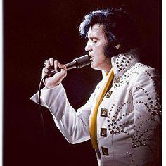 #elvis #presley #estb #70s #elvispresley #music #bestsong #musician #singer #performance #concert #microphone #people #pop #band #instrument #stage #portrait #festival #guitar #wear #jazz #rock #blues #soul
