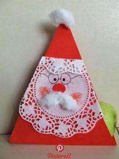 Mikulás dekoráció egyszerűen, Mikulás doboz ajándéknak Nagyon gyorsan elkészül ez az aranyos Mikulás dekoráció, aki nemcsak a polcot díszítheti, hanem bele is kerülhetnek a csokik, cukorkák. Student Christmas Gifts, Christmas Bells, Christmas Snowman, Christmas Love, Winter Christmas, Santa Crafts, Xmas Crafts, Christmas Projects, Winter Crafts For Kids
