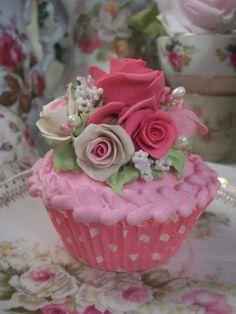 (Sarita Rose) Fake Cupcake www.rhondasrosecottagedesigns.com. Tea Party Cupcakes, Fake Cupcakes, Fake Cake, Pretty Cupcakes, Cupcake Centerpieces, Cake Decorations, Cookie Recipes For Kids, Cookies For Kids, Mini Cakes
