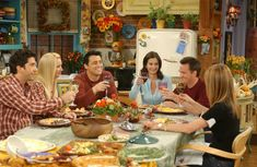 ICYMI: 10 Friendsgiving Lessons Learned from 'Friends' Thanksgiving Episodes Tv: Friends, Friends Season 10, Friends Cast, Friends Moments, Friends Series, I Love My Friends, Friends Thanksgiving Episodes, Friends Episodes, Joey Tribbiani