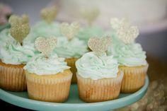 Vanilla cupcakes wit