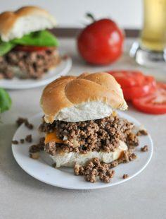 Crockpot Cheeseburgers I howsweeteats.com