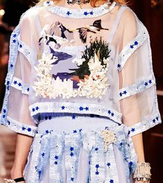 ilivebytherulesoffashion:Desfile Métiers d'Art Paris-Salzburg - Chanel
