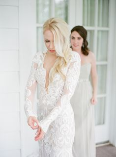 Photography : Almond Leaf Studios | Hair + Makeup : Beauty Asylum | Wedding Dress : Berta Read More on SMP: http://www.stylemepretty.com/2016/08/26/classic-elegant-duke-mansion-wedding/