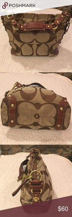 Coach Signature Hobo With Top Handle Gently used Coach Signature Fabric brown/tan zipper top, shoulder leather strap.Gild hardware with a zipper to Has inside small pocket. Coach Handbags, Coach Bags, Fashion Tips, Fashion Design, Fashion Trends, Designer Handbags, Handle, Hardware, Zipper