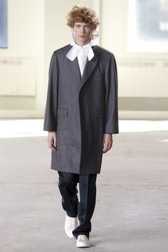 The complete Duckie Brown Fall 2016 Menswear fashion show now on Vogue Runway. Mens Fashion Week, New York Fashion, Runway Fashion, Fashion Show, Fashion Fashion, Boys Wear, Gq, Fashion Forward, Autumn Fashion