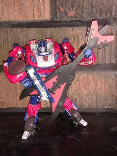 Transformers custom Thrash younger brother of the Transformer Jazz.