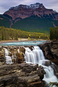 Athabasca Falls, Banff National Park, Canada OK I need to go to this natnl park Landscape Photos, Landscape Photography, Nature Photography, Travel Photography, Night Photography, Beautiful Waterfalls, Beautiful Landscapes, Parc National De Banff, Banff National Parks