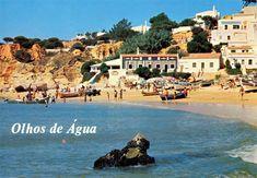 A Praia dos Olhos de Água é uma praia da freguesia de Albufeira e Olhos de Água, no concelho de Albufeira, no Algarve, Portugal. O seu nome evidencia a existência de várias nascentes de água doce na praia, à beira mar e dentro do mar, particularmente acessíveis na maré-baixa.