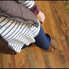 Navy soft knit leggings One Size, soft and stretchy fit. 92% polyester 8% spandex. Pants Leggings