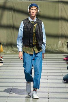 Junya Watanabe Spring 2019 Menswear Fashion Show Men's Fashion, Fashion Brands, Fashion Outfits, Fashion Design, Paris Fashion, Street Fashion, High Fashion, Vogue Paris, La Mode Masculine