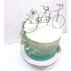 2人乗り自転車が、幸せな門出を祝う。#WeddingCake