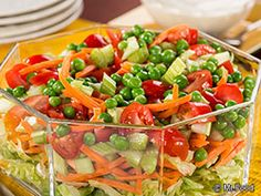 School House Salad - Including peas, lettuce, carrots, celery, cherry tomatoes, and more! Diabetic Salads, Healthy Eating Recipes, Healthy Salads, Diabetic Recipes, Easy Salads, Summer Salads, Healthy Foods, Side Salad, Salad Bar