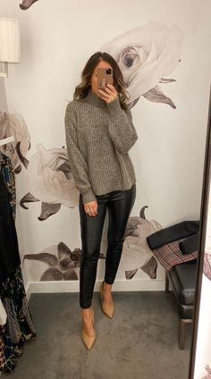 Fitting Room Snapshots (Ann Taylor)