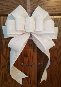 Handmade burlap ribbon bows, use for wreaths and other crafts, many different prints - Her Crochet Burlap Ribbon, Diy Ribbon, Ribbon Bows, Wired Ribbon, Ribbons, Burlap Bow Tutorial, Christmas Tree Bows, Fancy Bows, Decorative Bows