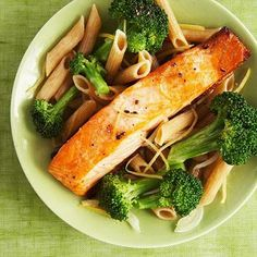 Bites: Recipes That Fight Cancer If you want a nutrient-packed meal tonight, try this healthy lemon-butter salmon and broccoli penne recipe.If you want a nutrient-packed meal tonight, try this healthy lemon-butter salmon and broccoli penne recipe. Healthy Recipes, Healthy Cooking, Healthy Snacks, Cooking Recipes, Delicious Recipes, Protein Recipes, Easy Recipes, Easy Meals, Health Tips