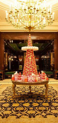 Haute christmas pinspiration on pinterest gingerbread for Laduree christmas
