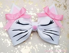 Welcome to The Little bow Bakery. *Our Current Production Time: 5 - 8 Days plus approx. business days for domestic shipping or up to 6 weeks for international shipping* - Listing is for 1 Hand painted white kitten hair Bow - Bow Size: 4 inches each wid Handmade Hair Bows, Diy Hair Bows, Diy Bow, Girls Bows, Girls Hair Accessories, Kawaii Accessories, Birthday Accessories, Unicorn Hair, Embroidery