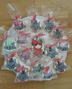 Cute cookies at a Red Riding Hood Party #redridinghood #party