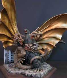 Godzilla Vs. King Ghidorah ..I want this.