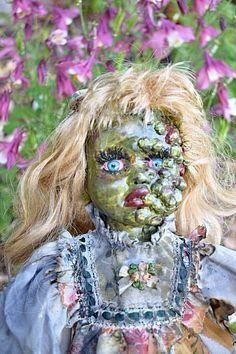 Zombie Barbie, Zombie Dolls, Scary Dolls, Zombie Girl, Scary Clowns, Kids Costumes Girls, Halloween Costumes For Kids, Halloween Decorations, Halloween Party