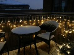 Balcony in winter, inviting and christmasy. Winter Balcony, Icicle Lights, Outdoor Lighting, Outdoor Decor, Terrace Design, Outside Living, Balcony Decoration, Balcony Ideas, Yard Ideas