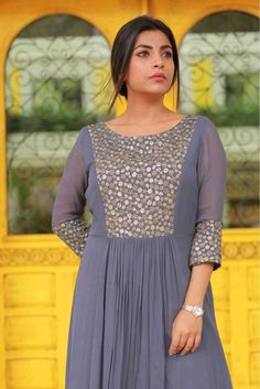 Churidar Designs, Kurta Designs Women, Dress Neck Designs, Saree Blouse Designs, Simple Dress Pattern, Dress Patterns, Frock Fashion, Fashion Dresses, Simple Dresses