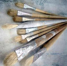 paint brushes make me happy Brooms And Brushes, Photo Deco, Artist Brush, Girl And Dog, Heart Art, Vintage Roses, Paint Brushes, Art Studios, Peace And Love