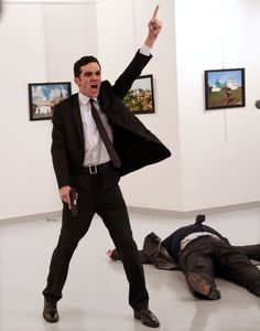 Since the annual World Press Photo contest has set the standard in visual journalism. World Press Photo 2017 brings you the winners - the most striking im The Americans, Ankara, Fotojournalismus, World Press Photo, Photo Exhibit, Concours Photo, Photo Awards, 2017 Photos, Photo Contest