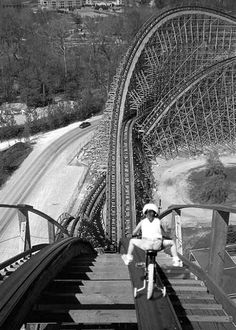 bike road on a roller coaster photography black and white dark girl vintage cool scary weird roller coaster. What's the worst that could happen? Black White Photos, Black And White Photography, Vintage Photography, Art Photography, Living On The Edge, Demotivational Posters, Chuck Norris, Scary, In This Moment
