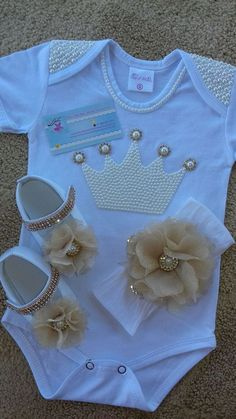 Mimi Baby Shoes PDF Pattern Newborn to 18 months - Her Crochet Baby Girl Dresses, Baby Outfits, Baby Dress, Kids Outfits, Cute Baby Clothes, Diy Clothes, Cute Baby Girl, Cute Babies, Baby Bling