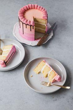 Best Butter Cake Recipe with Swiss meringue buttercream #pinkcake #layercake #buttercake #vanillacake #swissmeringuebuttercream