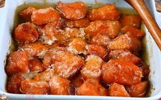 Candied Yams Recipe - Love Bakes Good Cakes Learn how to make candied yams for your next family meal, it's so simple! This candied sweet potatoes recipe is easy and delicious! Can Yams Recipe, Best Candied Yams Recipe, Southern Candied Yams, Candied Sweet Potatoes, Best Sweet Potato Casserole, Sweet Potato Dishes, Sweet Potato Recipes, Macaroni Recipes, Shrimp Recipes Easy