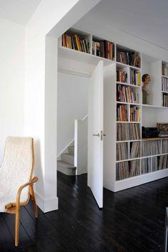 Bibliothèque jusqu'au plafond